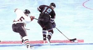 1370077045_ice-hockey-02