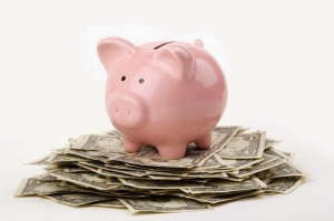 72672547_Piggy_on_Money
